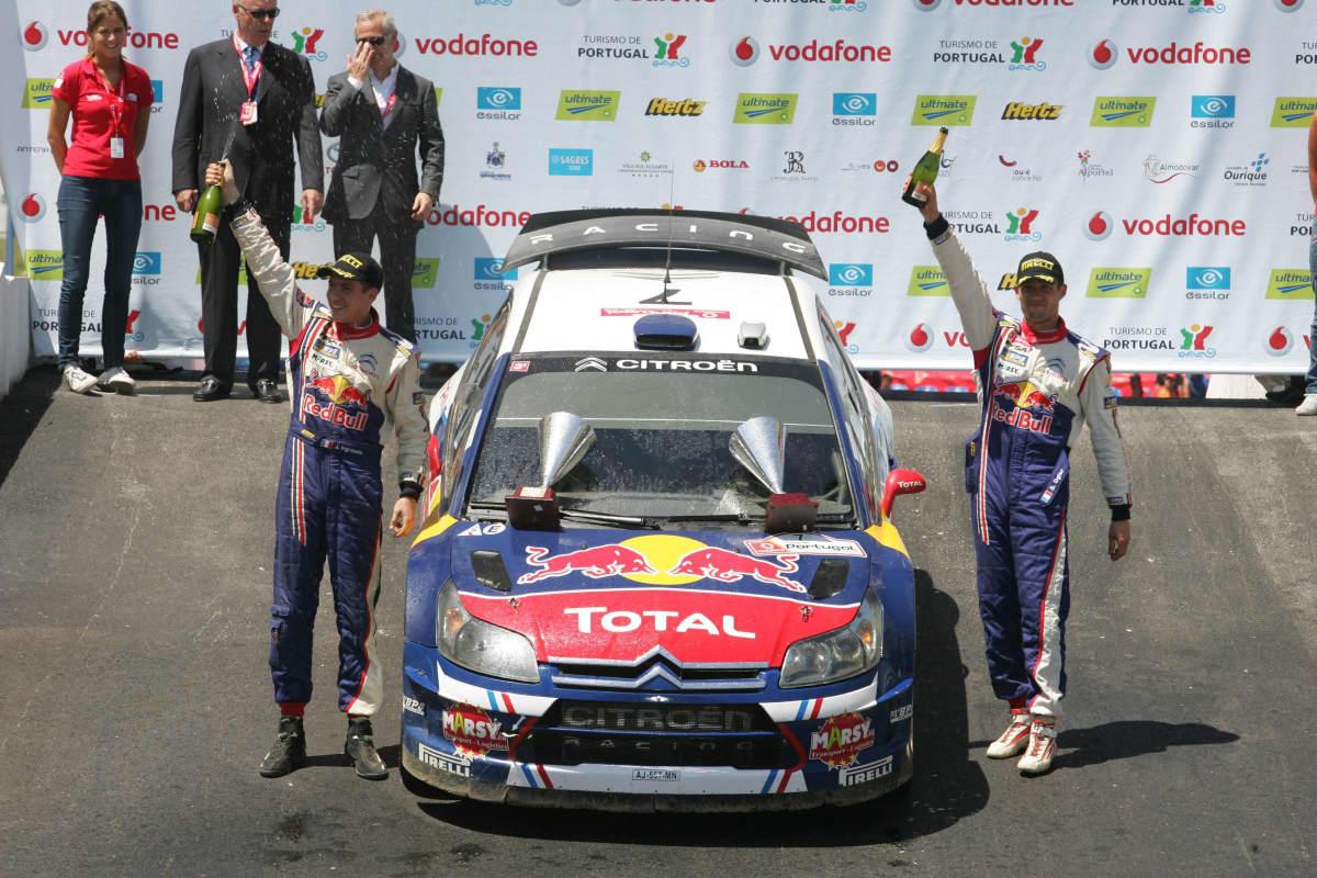 Sebastien Ogier juhli ensimmäistä voittoaan Portugalissa vuonna 2010 Citroenillä.
