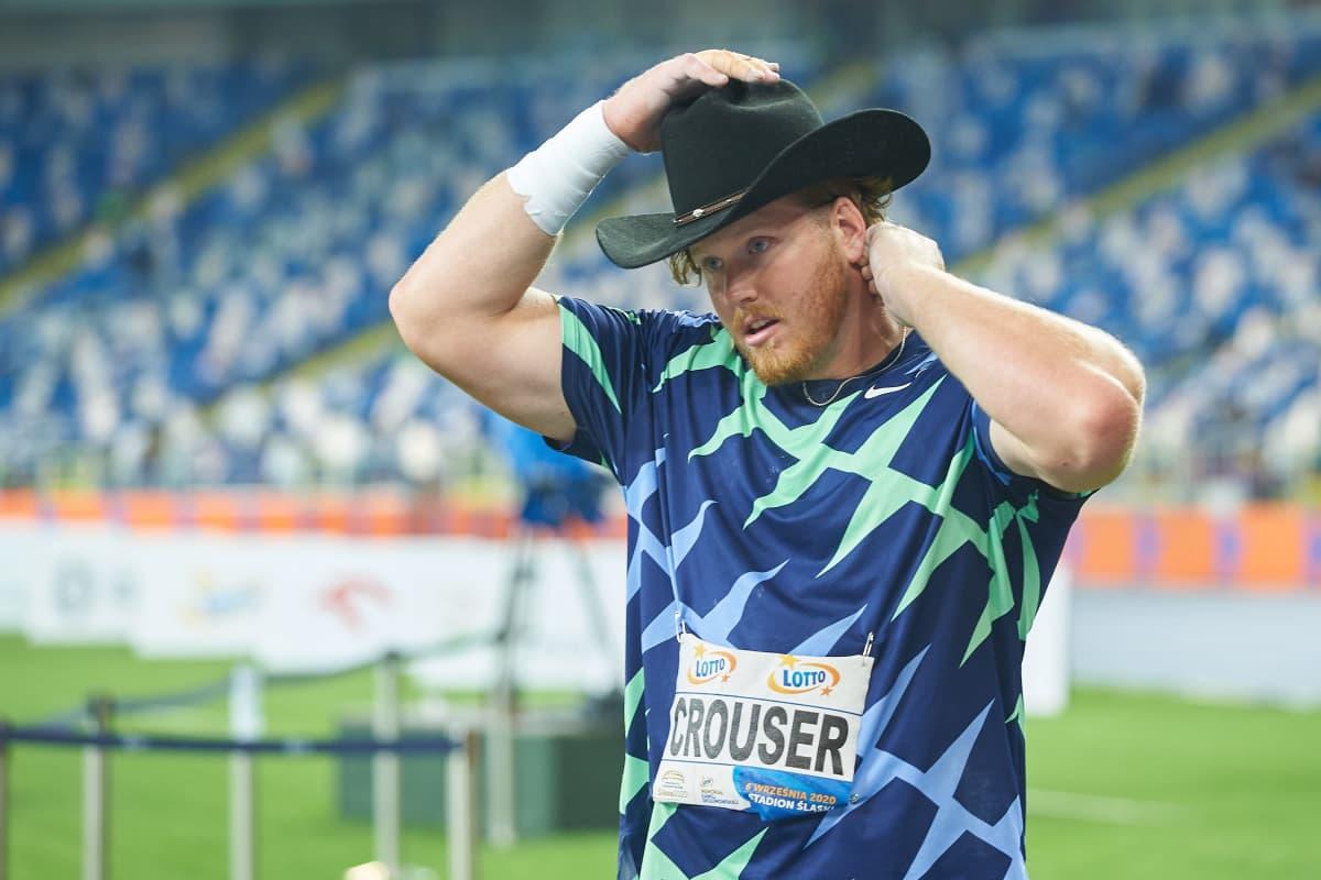 Ryan Crouser tunnetaan paitsi hurjista kuulatuloksistaan ja kilpailuissa käyttämistään cowboy-hatuista.