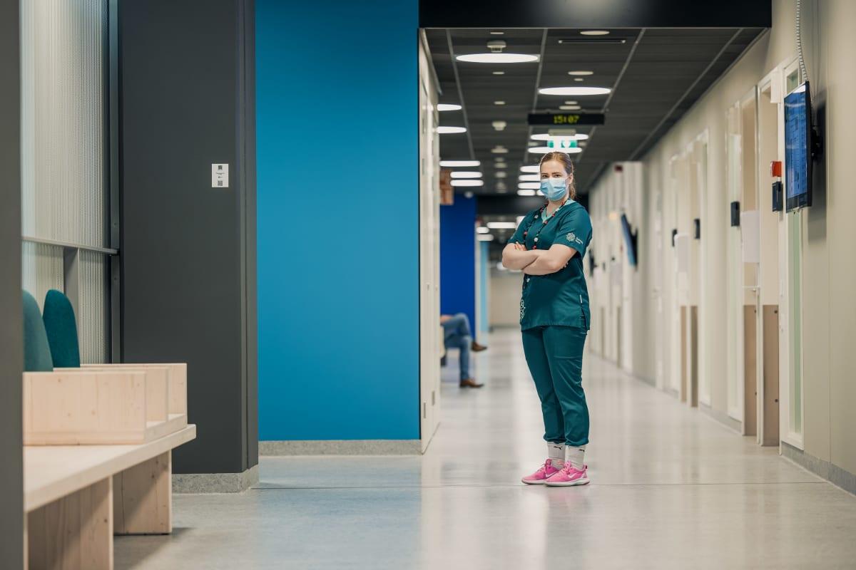 Sonja Lakaniemi päätti vaihtaa alaa, koska hoitajan ammatti on niin rankka.