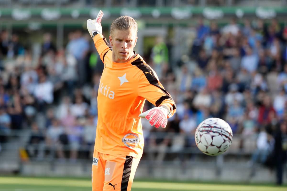 Tomi Maanoja i match med Helsingfors IFK 2017.