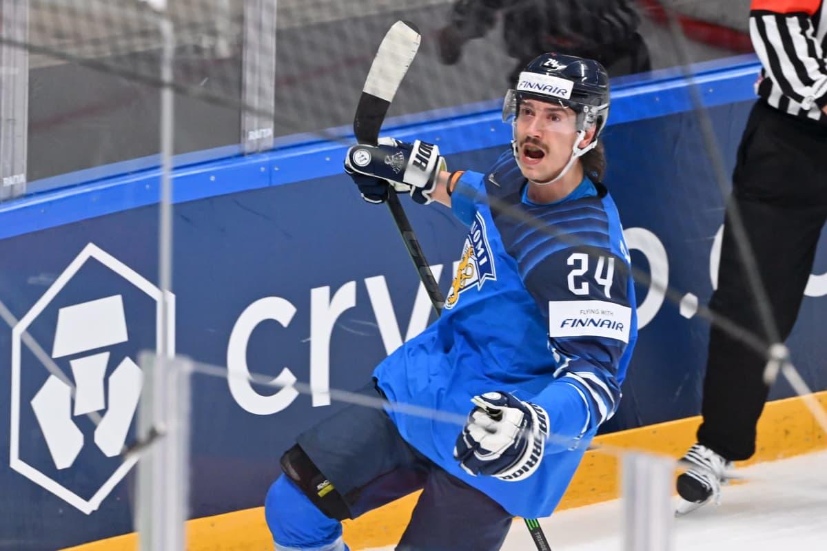 Hannes Björninen tuulettaa 2-0 maalia.