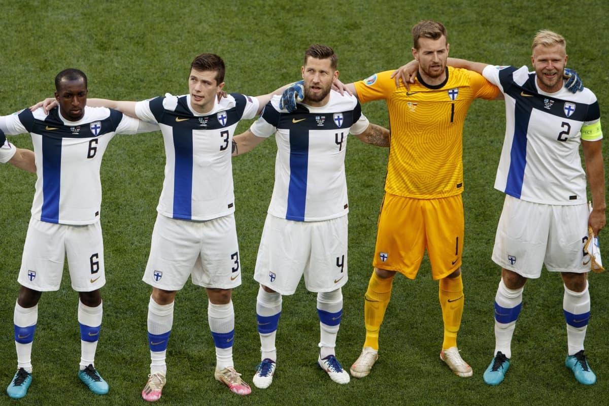 Suomen miesten maajoukkue ennen Venäjä-ottelua EM-kisoissa 16.6.