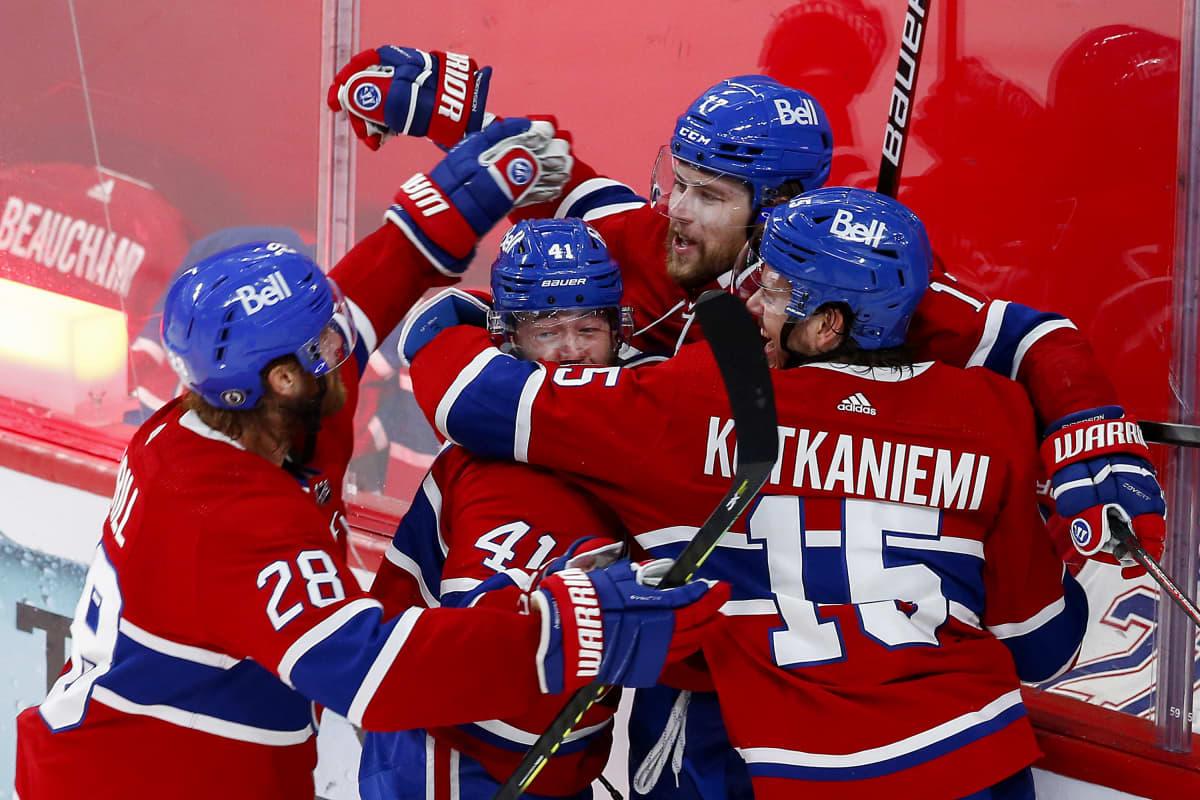 Montreal Canadiens juhlii Josh Andersonin voittomaalia.
