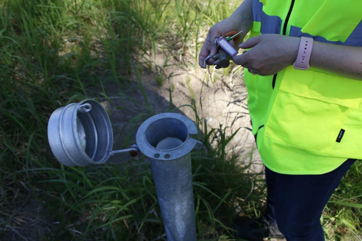 Pohjaveden havintoputki maastossa