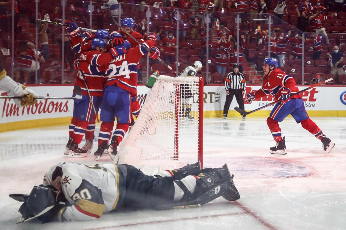 Montrealin pelaajat juhlivat Lehkosen maalia ja paikkaa NHL:n pudotuspelien finaalissa.