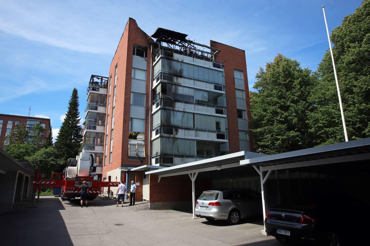 Pelastuslaitos tutkii Savonlinnan palon syytä.