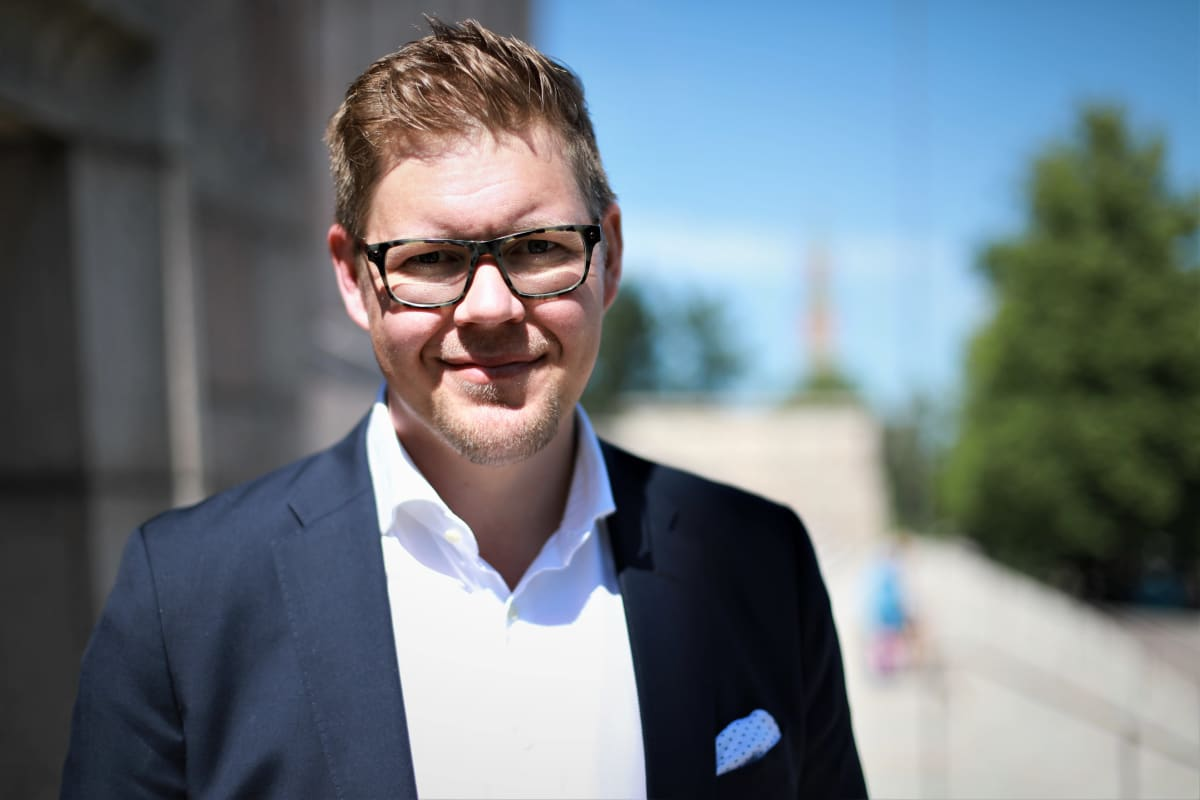 Antti Lindtman eduskunnan portailla