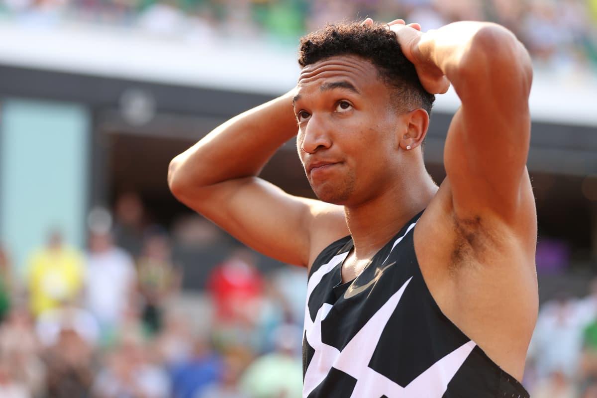 Donavan Brazier pettyneenä Yhdysvaltain olympiakarsinnan jälkeen.