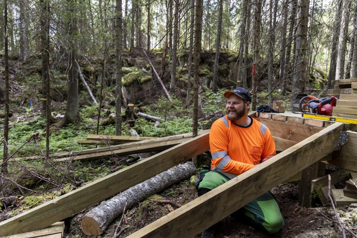 Jani Räsänen, Nilsiästä nikkaroi luontopolun rappusia