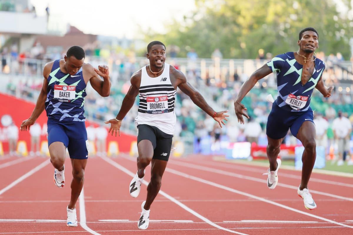 Trayvon Bromell (keskellä) voitti sadan metrin juoksun Yhdysvaltain mestaruuden.
