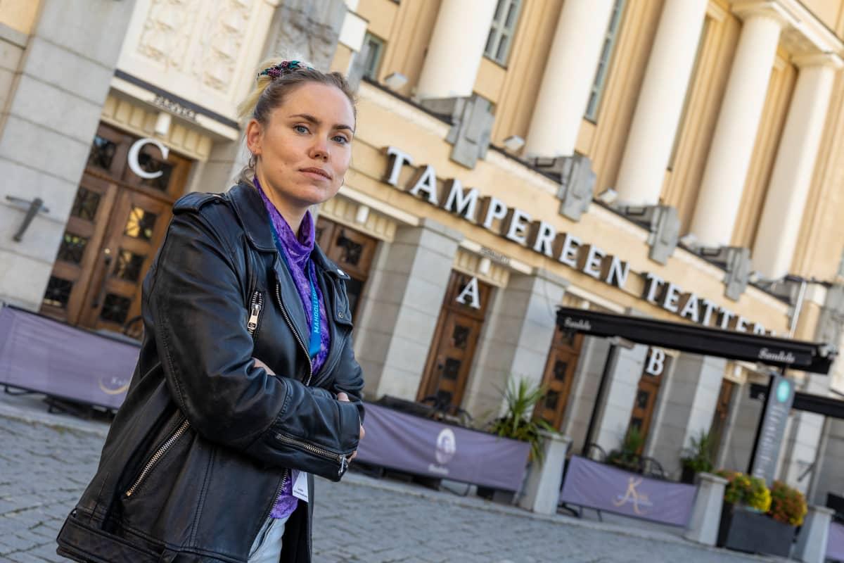 Näyttelijä ja ohjaaja Sara Melleri