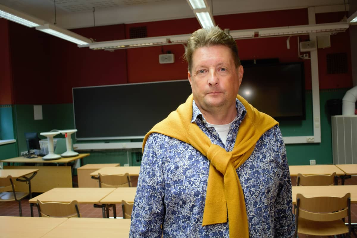 Puolalanmäen lukion rehtori Jouko Kauppinen