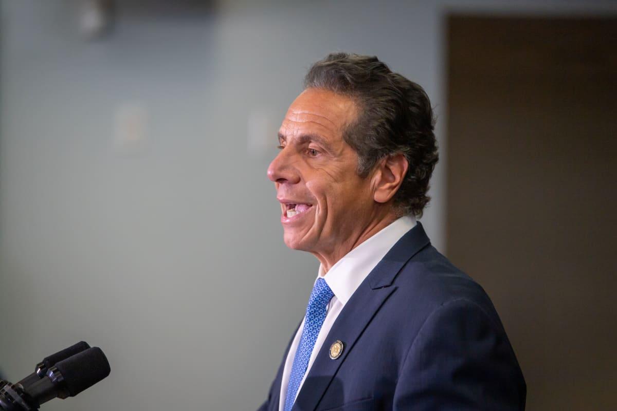 New Yorkin osavaltion kuvernööri Andrew Cuomo heinäkuisessa tiedotustilaisuudessa.