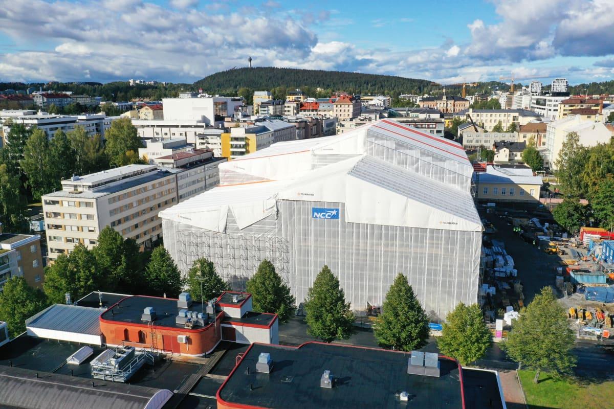 Huputettu rakentuva rakennus Kuopiossa