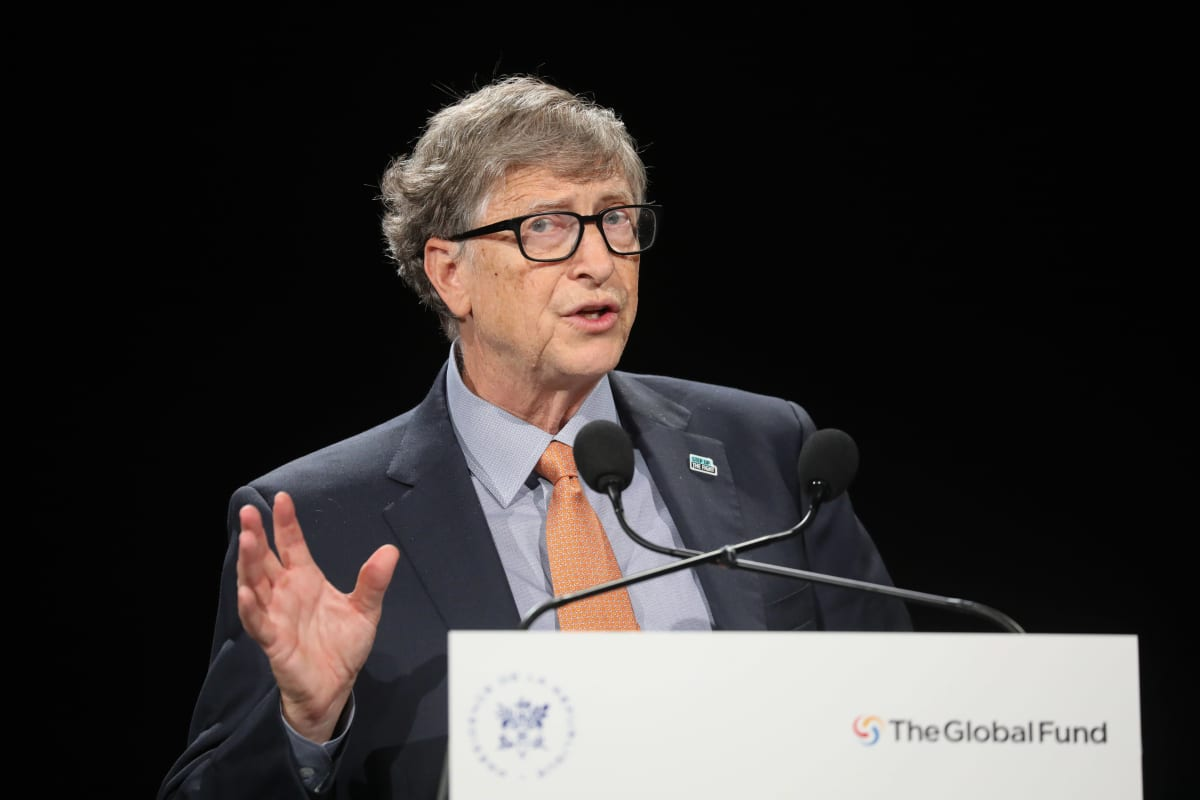 Bill Gates puhujapöntössä.