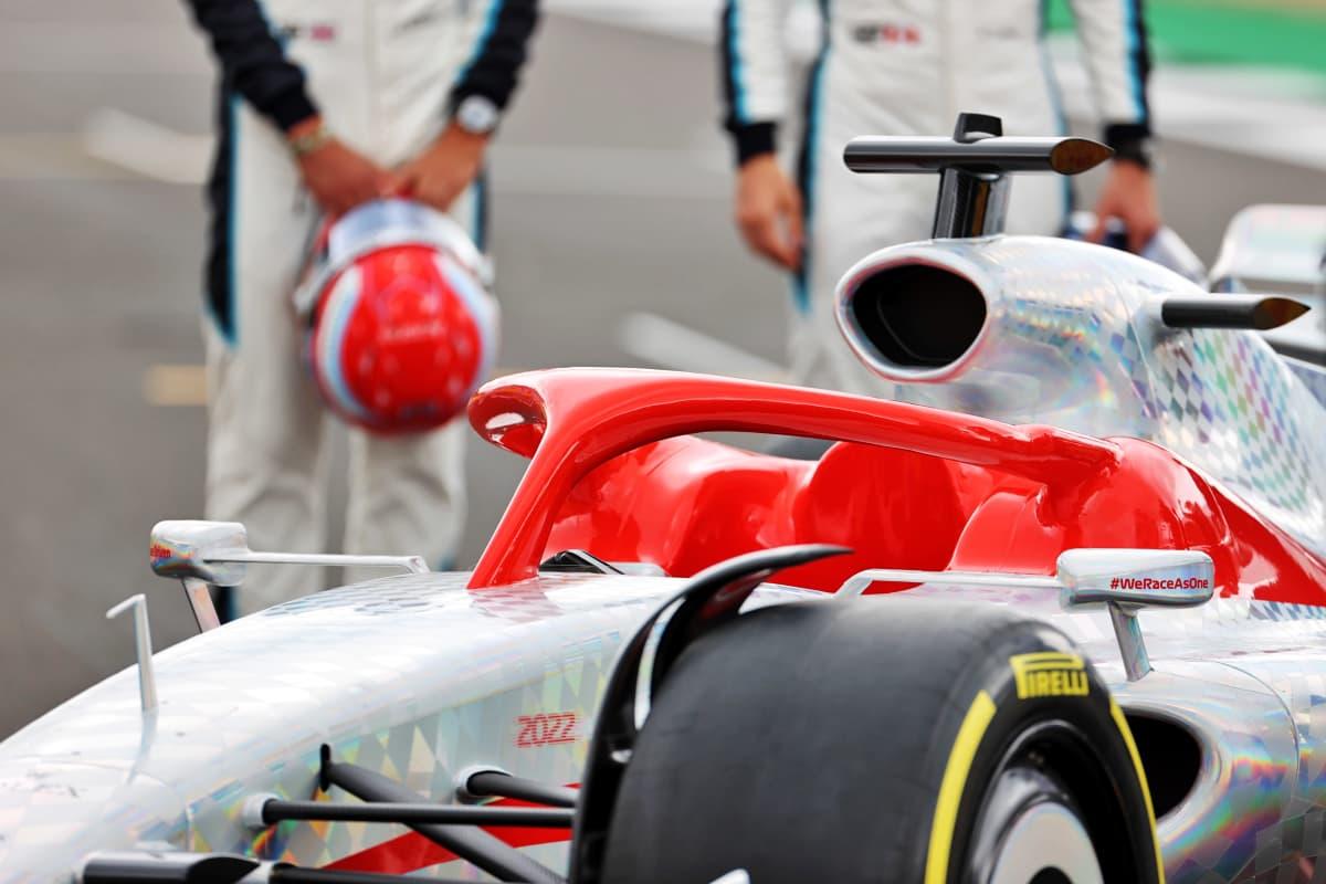 F1-auton halo-turvakaari lähikuvassa.