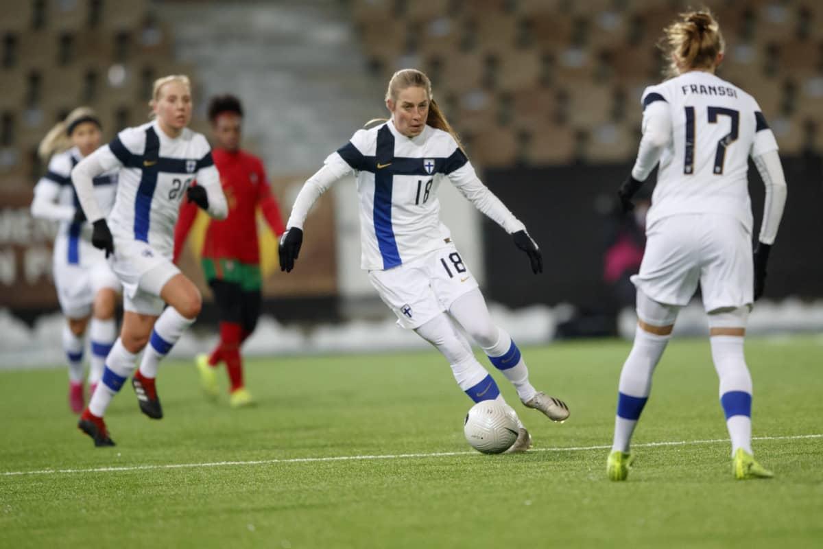 Linda Sallström ja Sanni Franssi kuvassa.