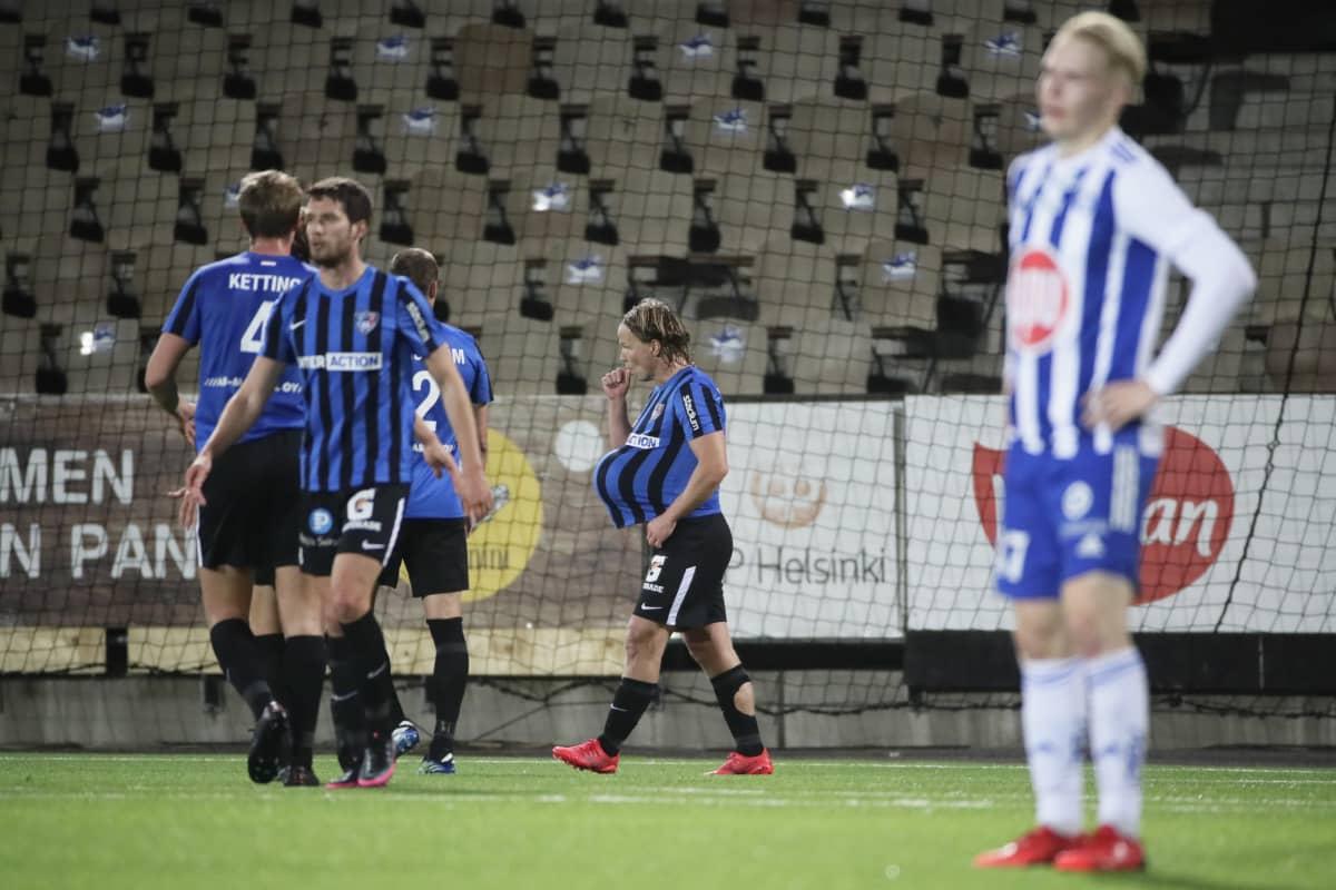 Interin Petteri Forsell tuuletti 0-1-maaliaan HJK:ta vastaan.