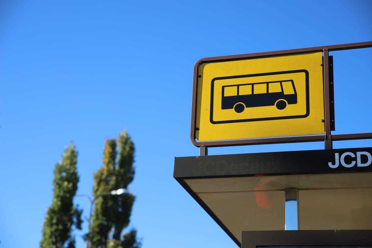 Bussipysäkki.