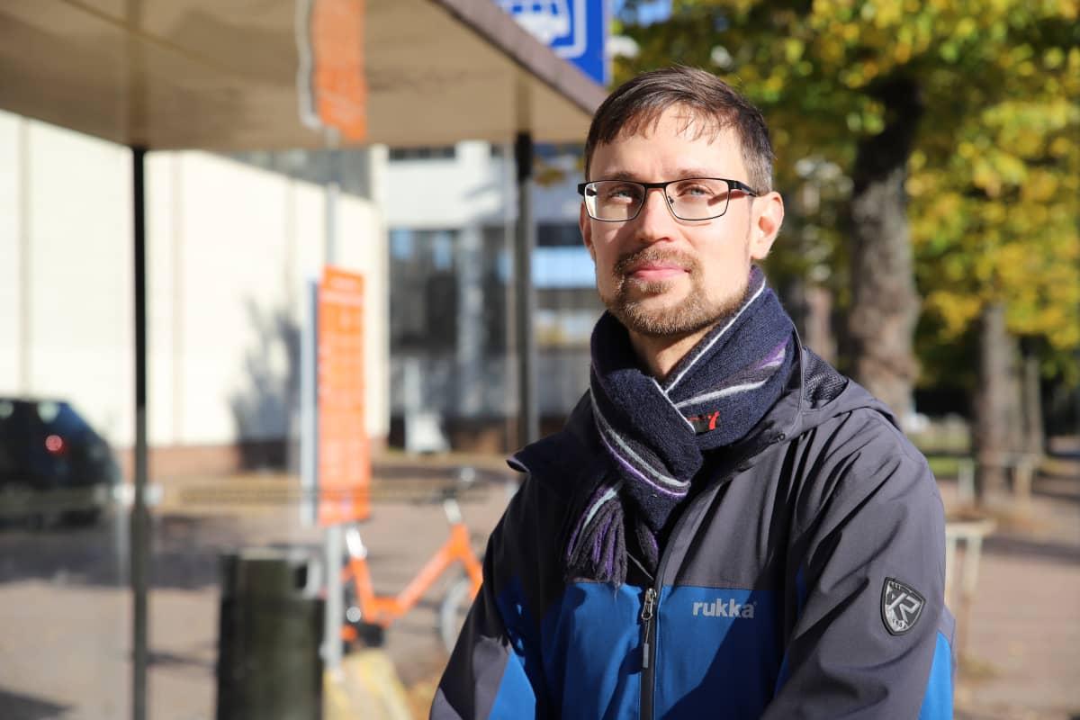 Kotkan kaupungin vs. joukkoliikennepäällikkö Esa Partanen.