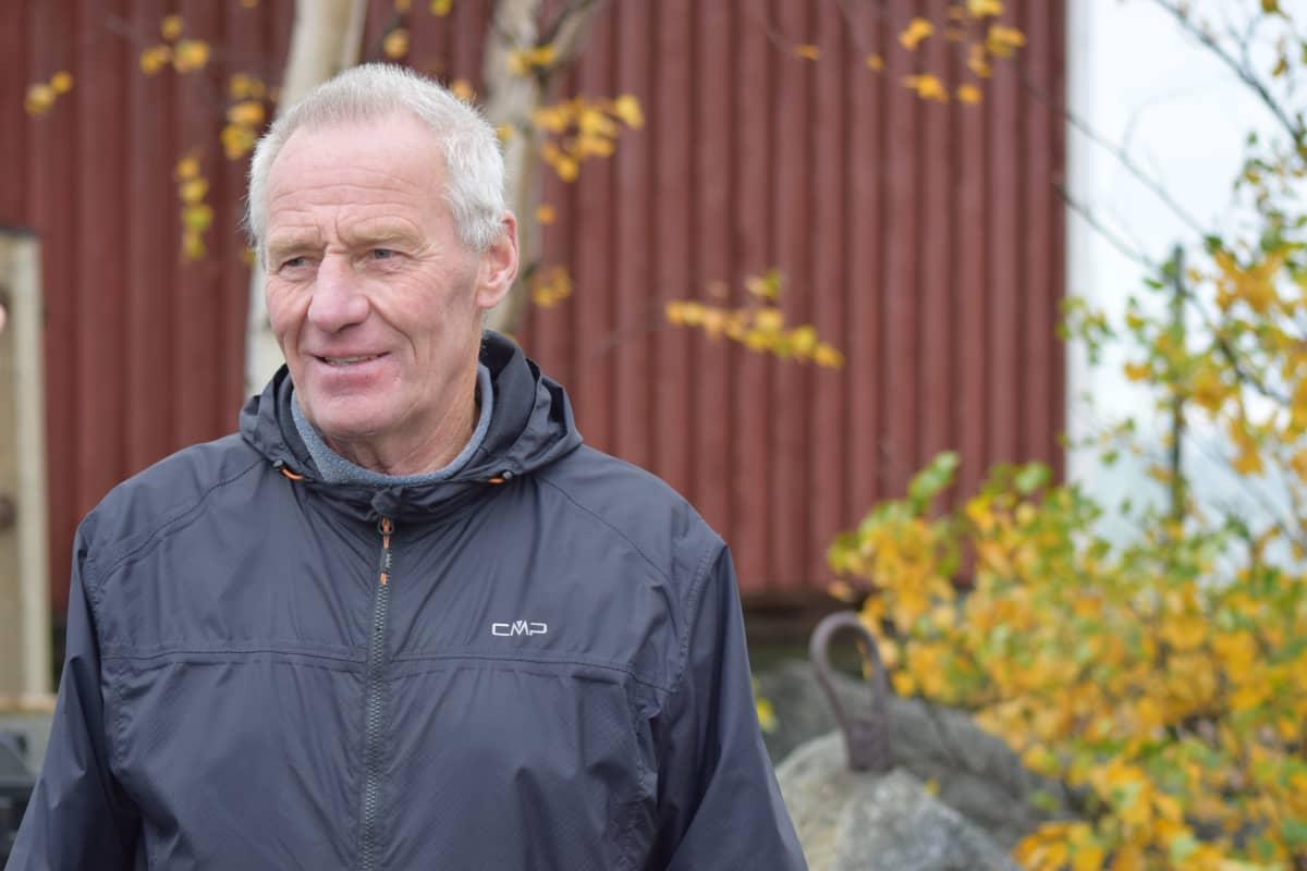 Porilaisen Pentti Korellin mielestä merialue on juuri oikea paikka tuulivoimaloille.