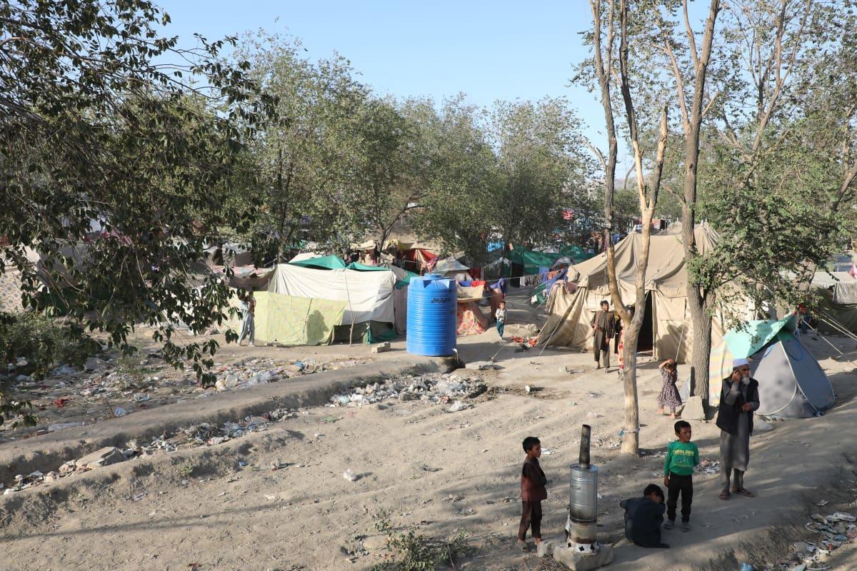 Maan sisäisten pakolaisten leiri Kabulissa Afganistanissa