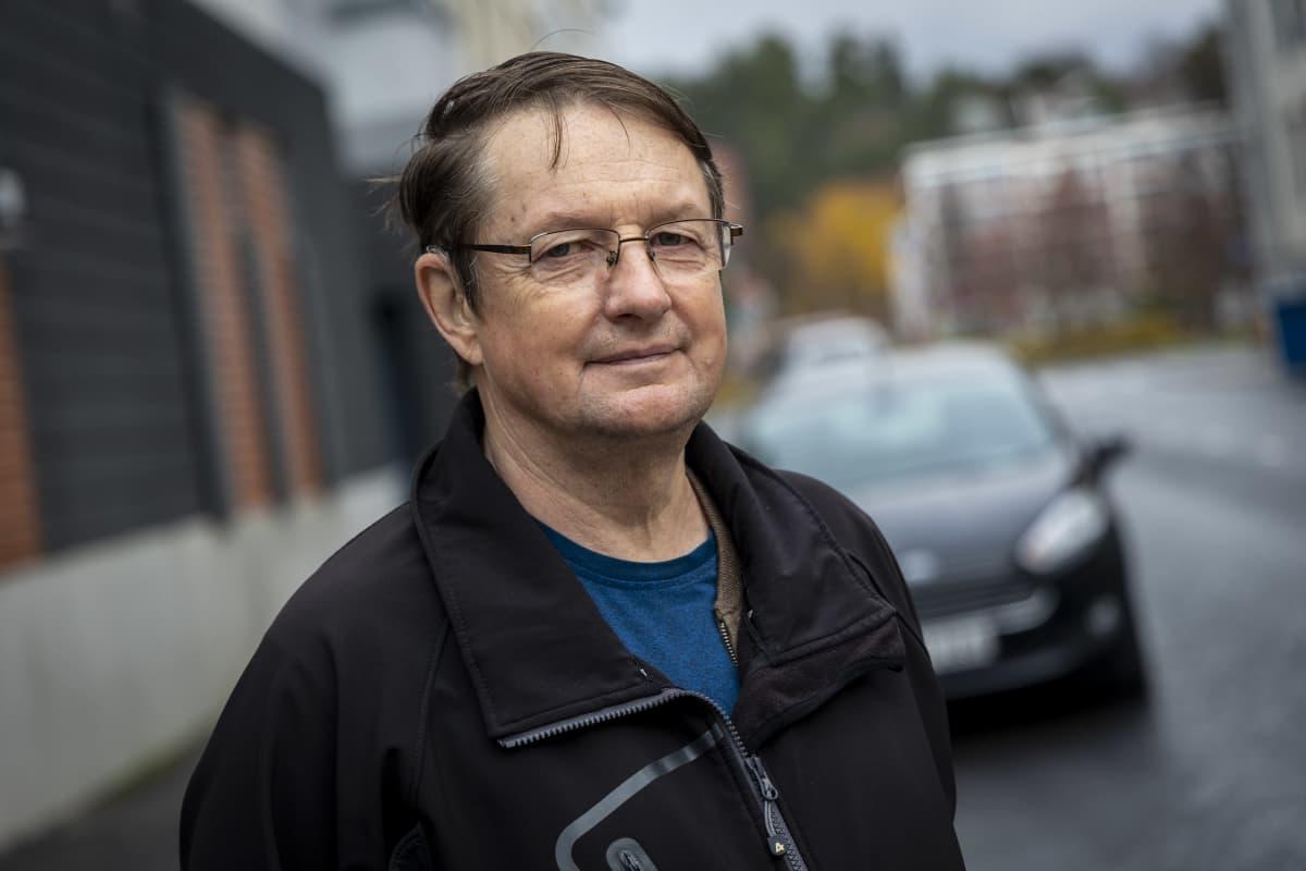 Keijo Koistinen, kuopiosta asuu Snelmanninkadun ja Tulliportinkadun kulmassa, joka tulvii helposti rankkasateiden aikaan.