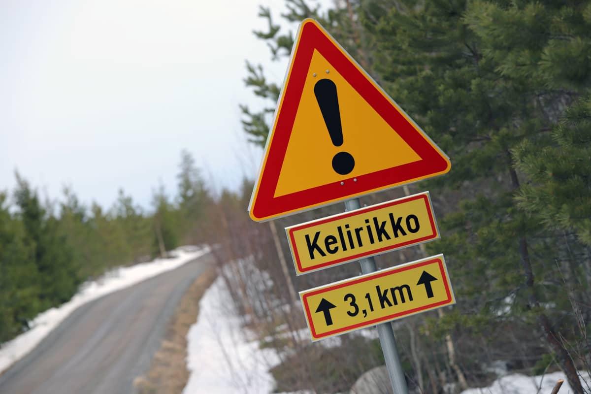 Kelirikosta varoittava liikennemerkki.