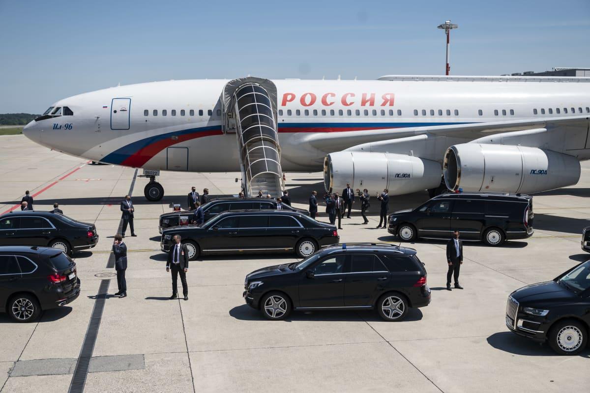 Venäjän presidentti Vladimir Putinin lentokone laskeutui Geneveen 16. kesäkuuta 2021.