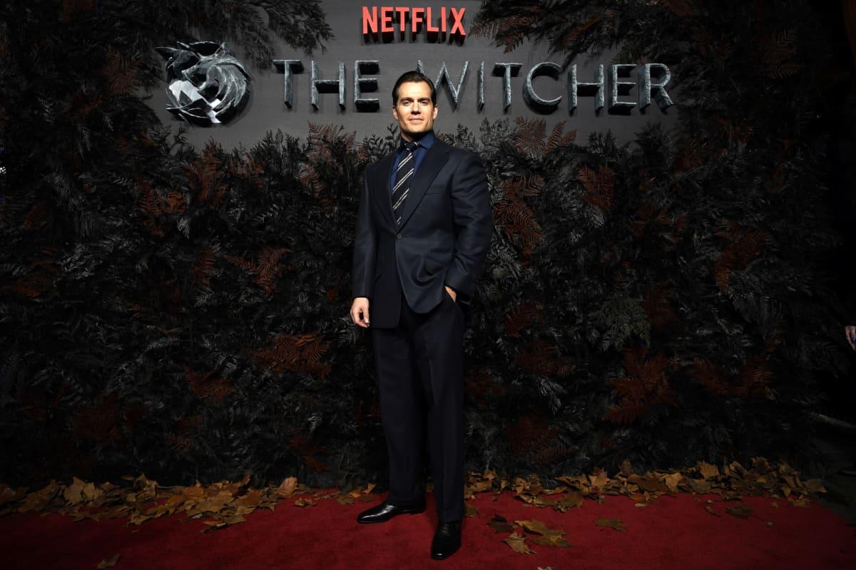 The Witcherin pääosanäyttelijä Henry Cavill sarjan maailman ensi-illassa Lontoossa 16.12.2019.