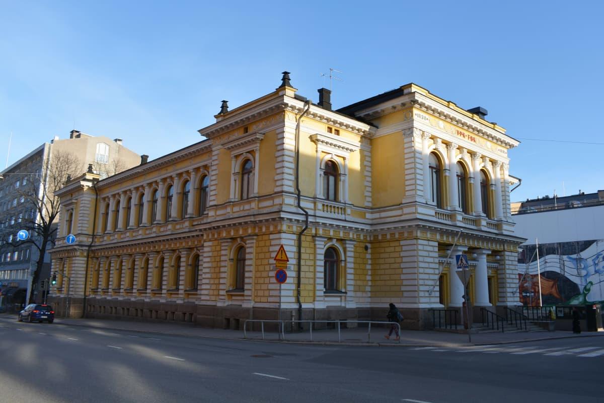 Turun VPK:n talolla pidetään iltalukion ylioppilaskirjoitukset.