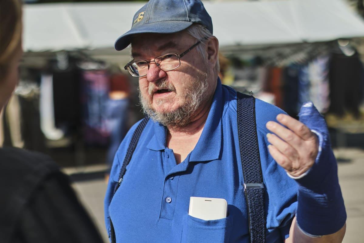 Perussuomalaisten Keski-Suomen vaalipäällikkö Pekka Kataja Jämsän torilla 15. elokuuta 2020.