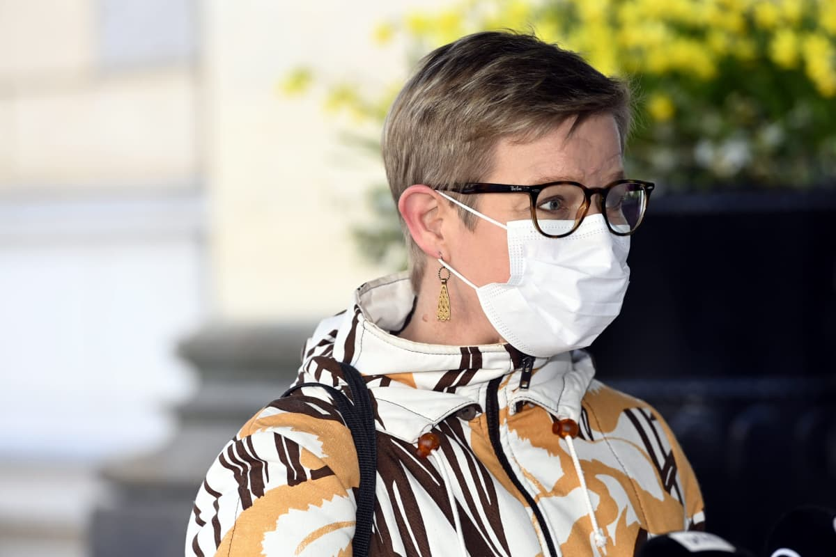 Krista Mikkonen saapui hallituksen puoliväliriihen toisen päivän neuvotteluihin Säätytalolle.