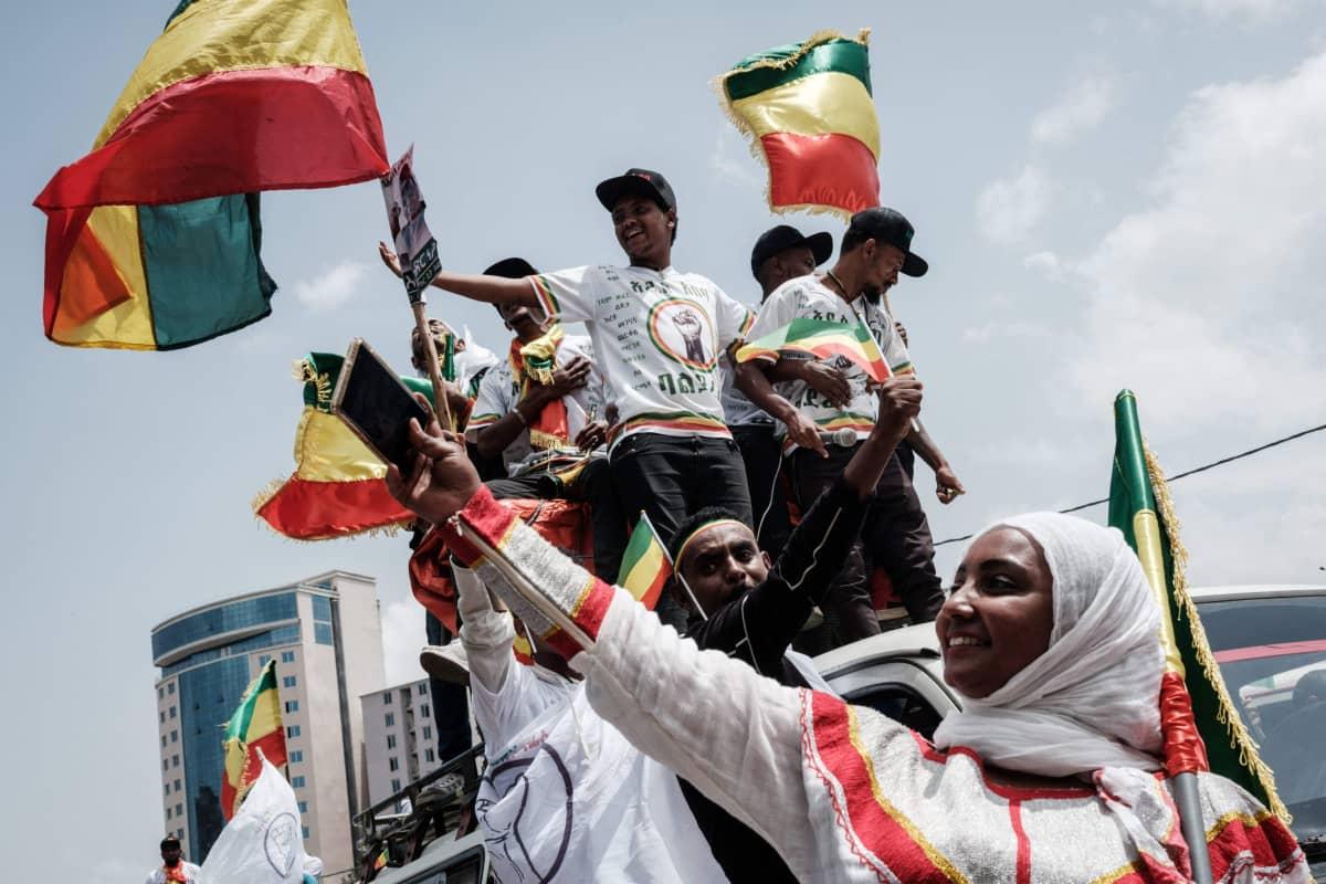 Balderas oppoisitiopuoleen kannattajia 16. kesäkuuta. Etiopiasa pidetään vaalit 21. kesäkuuta 2021