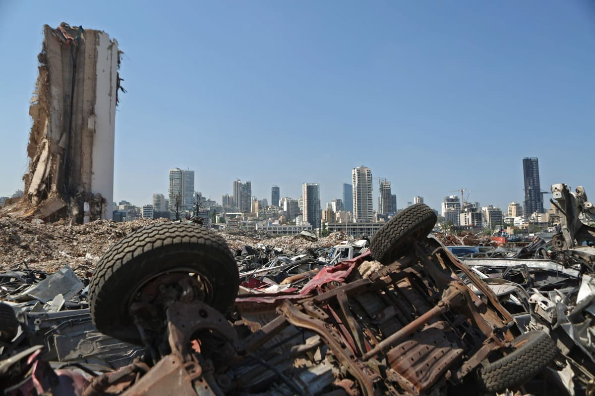 Beirutin satama räjähdyksen jälkeen.  A general view shows the damaged grain silos at the port of the Lebanese capital Beirut on June 13, 2021, almost a year after the August 4 massive explosion that killed more than 200 people and injured scores of others.