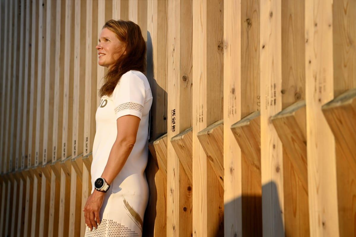 Olympiakomitean ylilääkäri Maarit Valtonen kuvattuna Tokiossa heinäkuussa 2021.