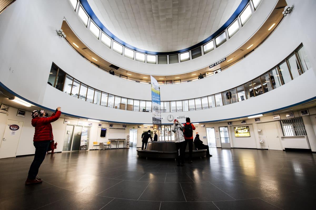 Malmin lentoaseman terminaalirakennus valmistui vuonna 1938.