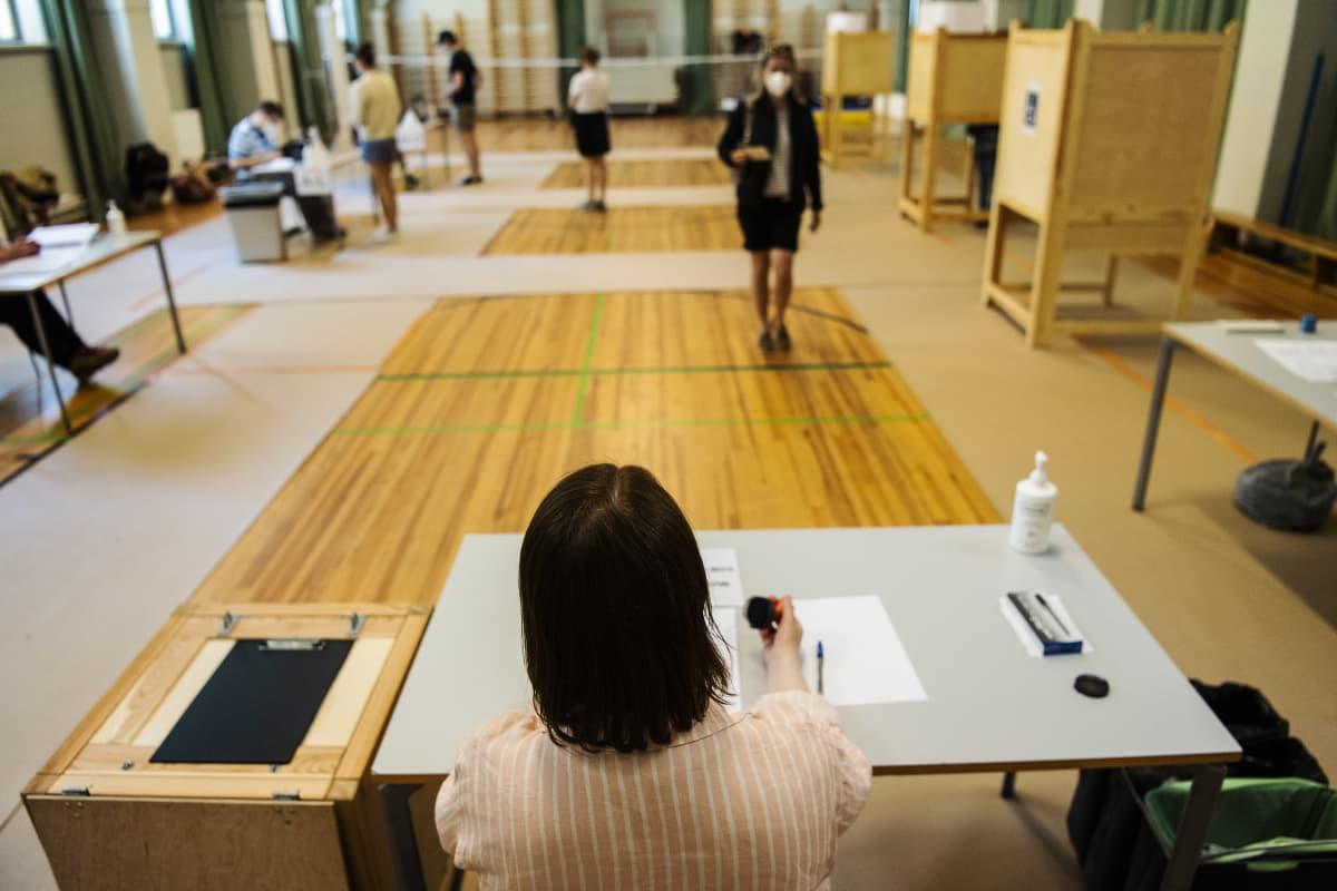 Grundskolan Norsenilla Helsingissä äänestettiin kuntavaaleissa vaalipäivänä 13. kesäkuuta.