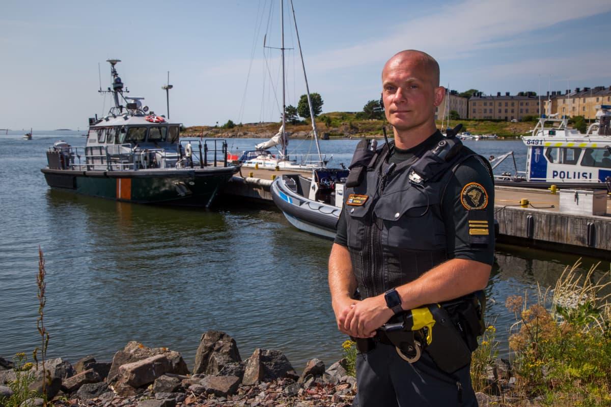 Henkilökuvassa, Suomenlahden merivartioston Helsingin merivartioaseman varapäällikkö, yliluutnantti Jani Ratinen