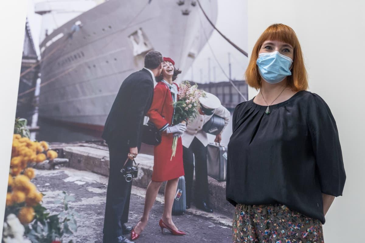 Eeva Holkeri, näyttelypäällikkö, Taidehalli, Tony Vaccaro: Elämä on ihanaa -näyttely