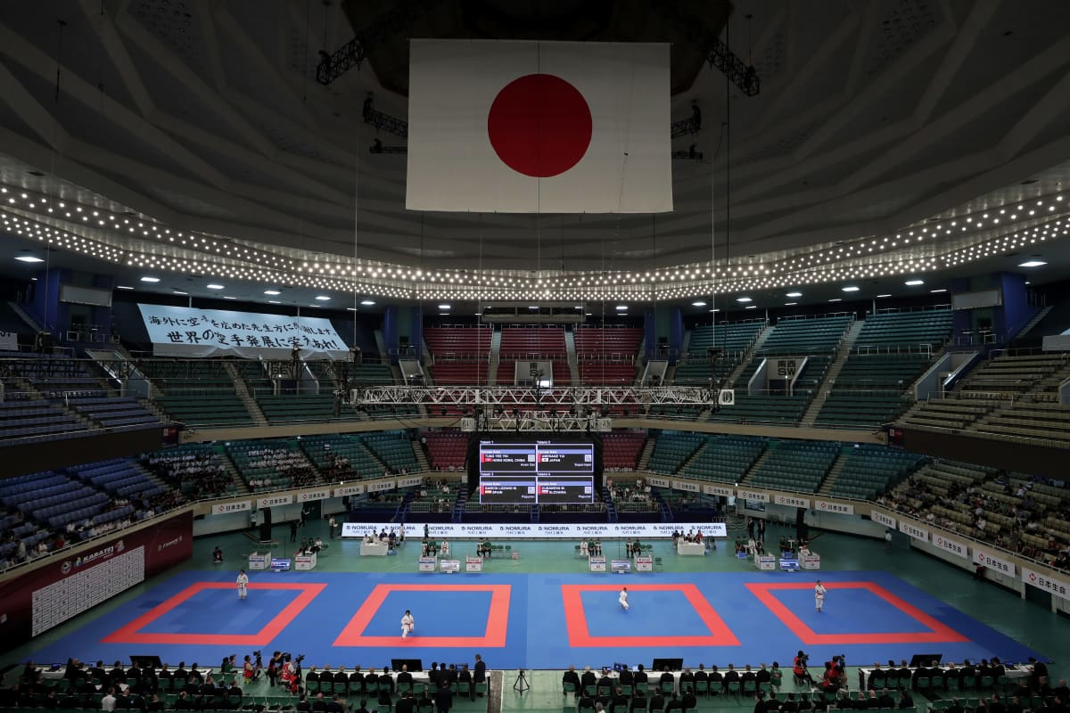 Japanin Nippon Budokan -halli.