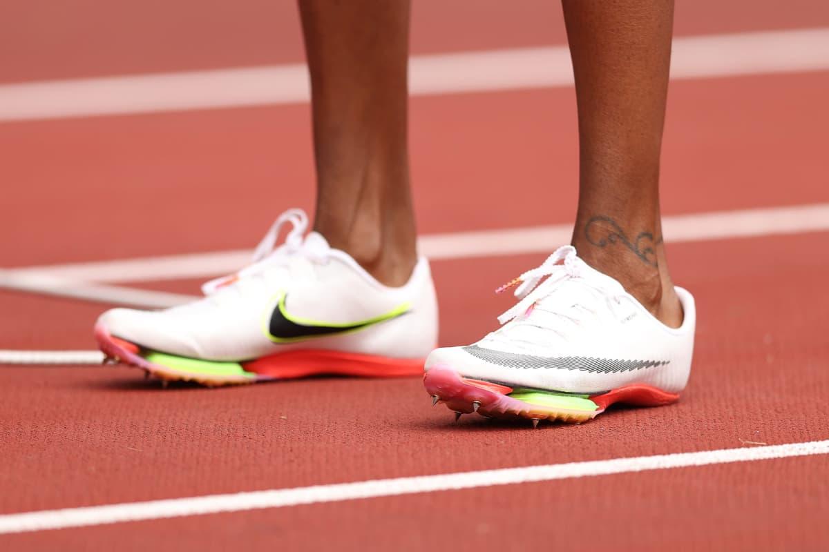 Dalilah Muhammadin kengät Tokion olympialaisissa.