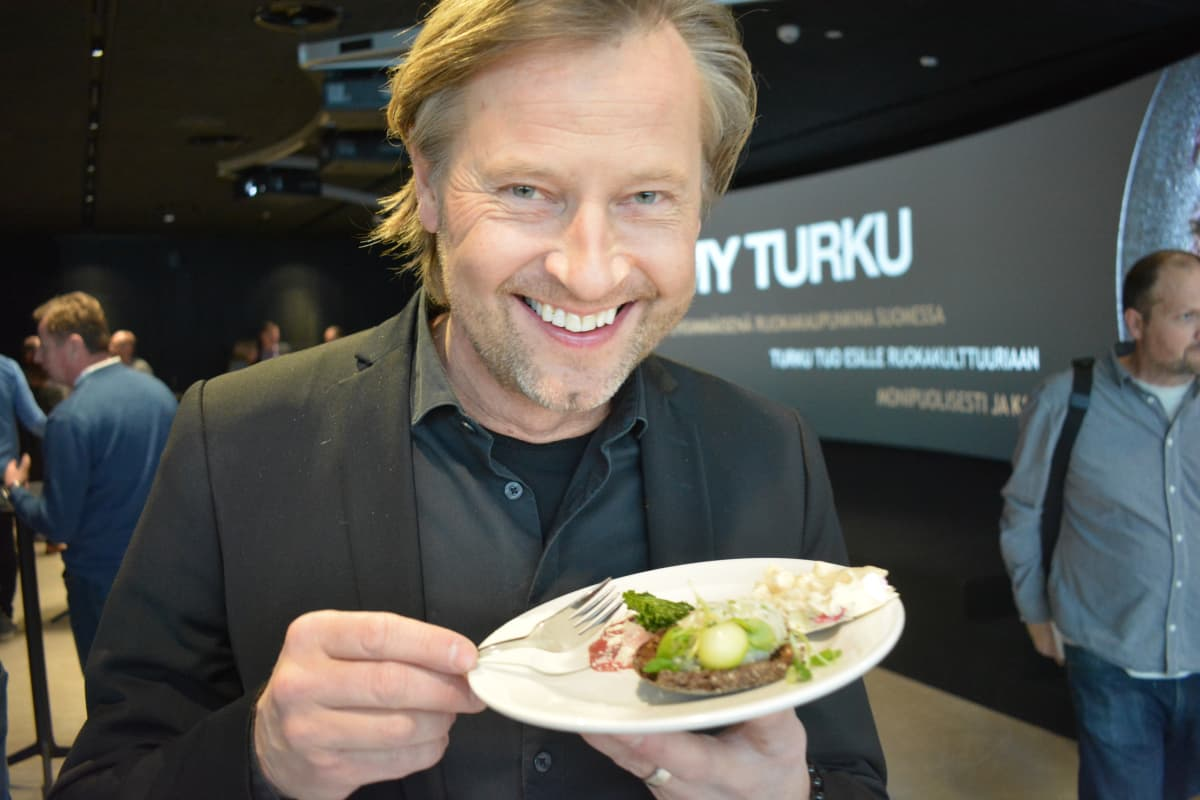 Kokki ja yrittäjä Aki Wahlman.