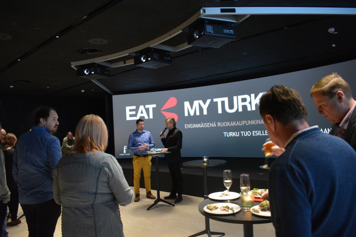 Eat my Turku-sivustolla on mukana noin 30 ruoka-alan toimijaa. Kaikki halukkaat pääsevät mukaan.