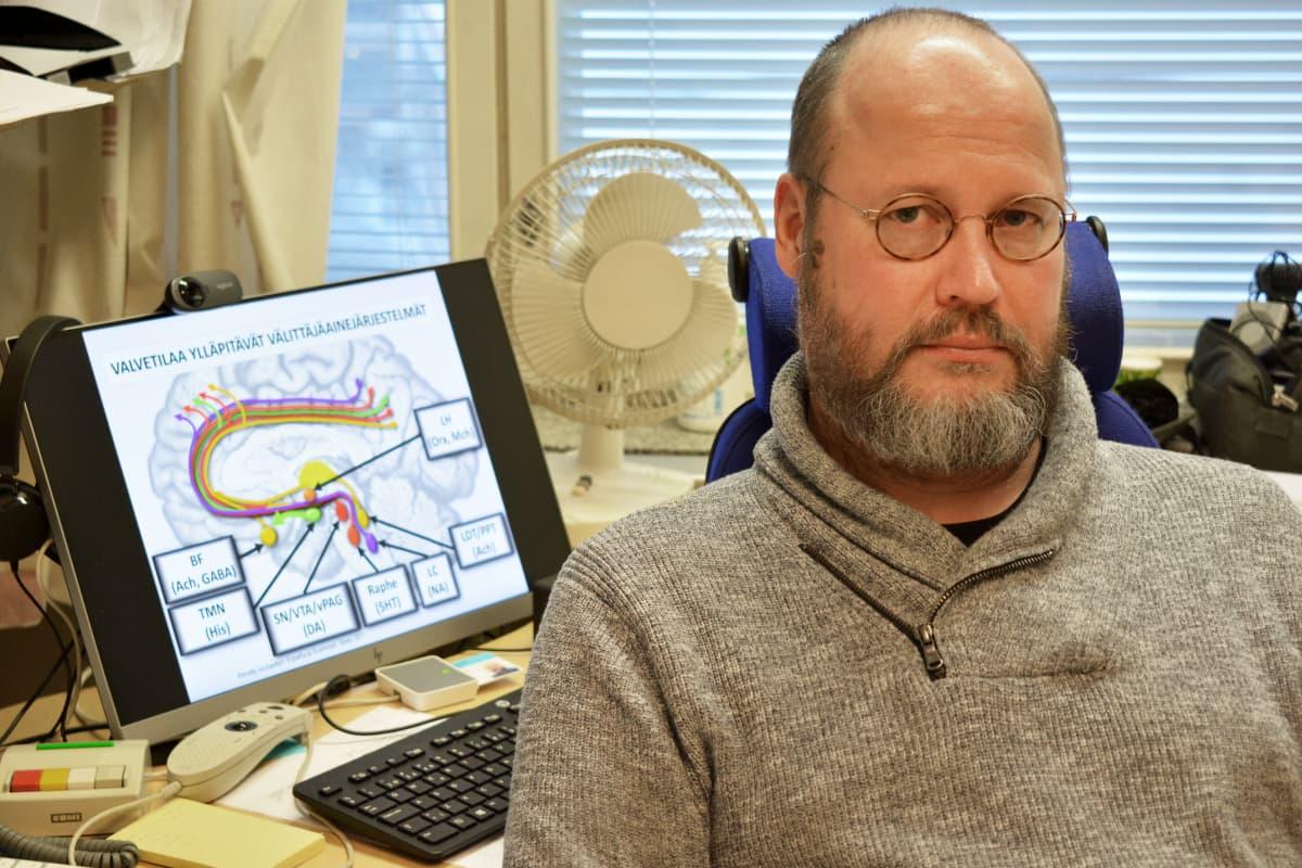 Psykiatrian erikoislääkäri Juha Markkula