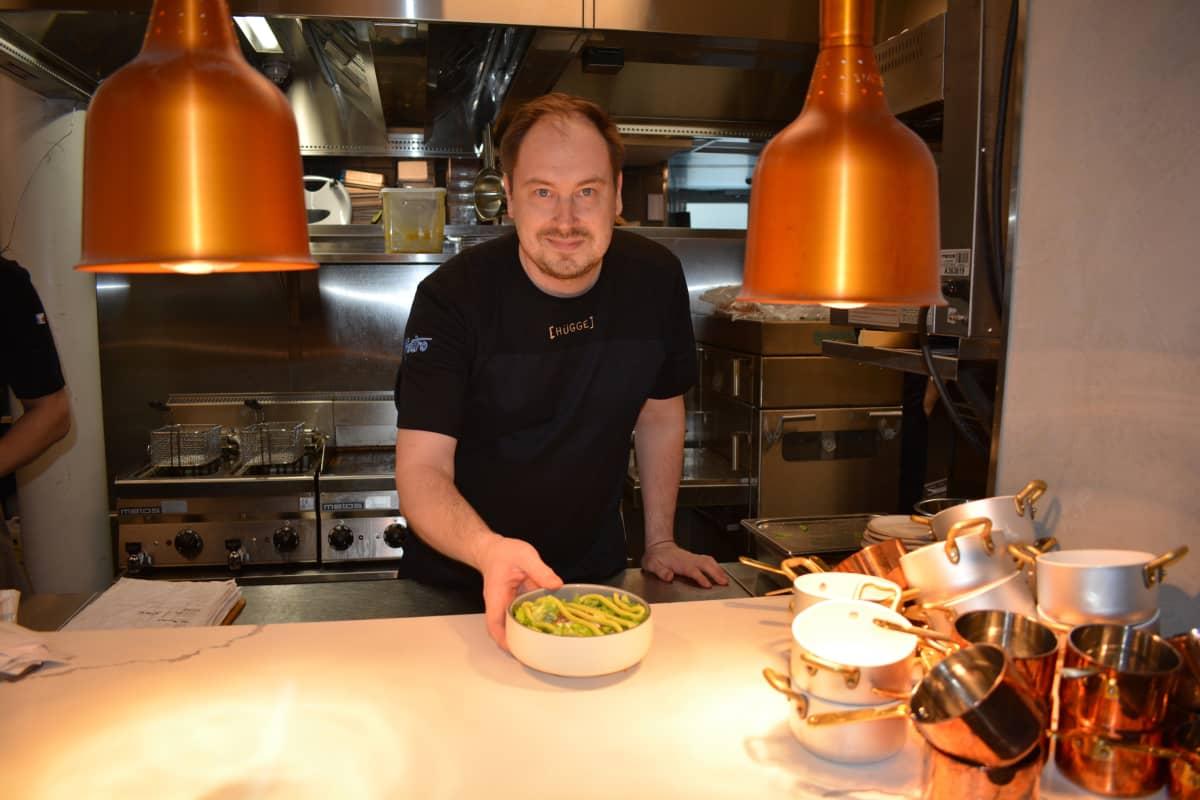 Ravintoloitsija Simo Hallikainen koki kokkipulan vuodenvaihteessa.