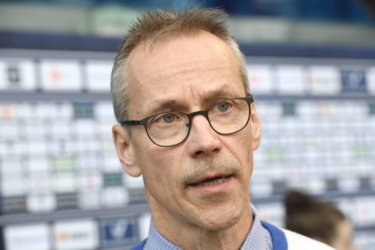 Viisi vuotta Suomen maajoukkuetta valmentaneen Pasi Mustosen mielestä Suomi on ottanut naisten jääkiekon suurmaita, Yhdysvaltoja ja Kanadaa, selkeästi kiinni.