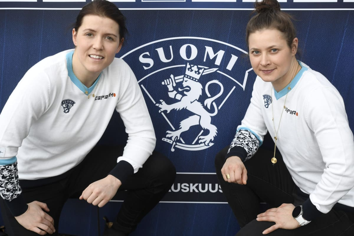 Michelle Karvinen (vas.) ja Jenni Hiirikoski.