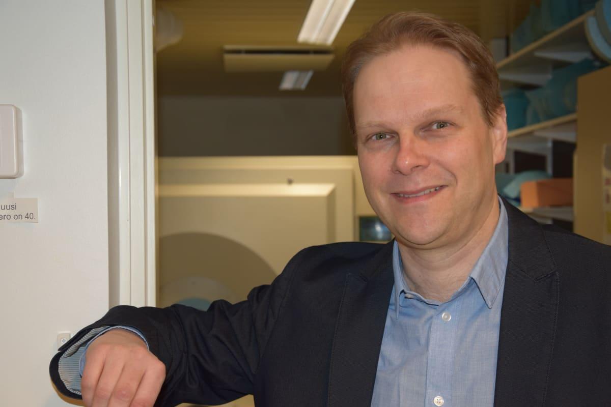 Apulaisprofessori Lauri Nummenmaa