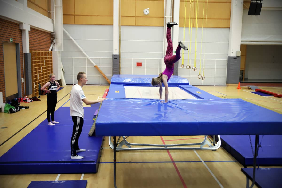 Solja Mattila haluaa alkaa harrastamaan trampoliinivoimistelua.